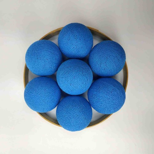 Декоративные шарики из ниток - bright blue