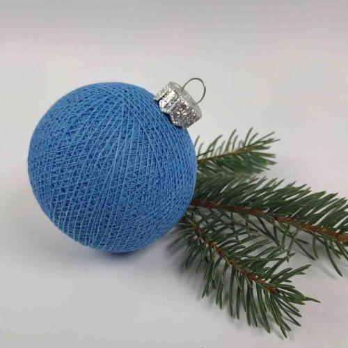 Шарик на елку из ниток Blue
