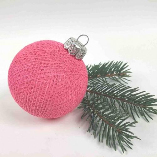 Шарик на ёлку из ниток Bright Pink