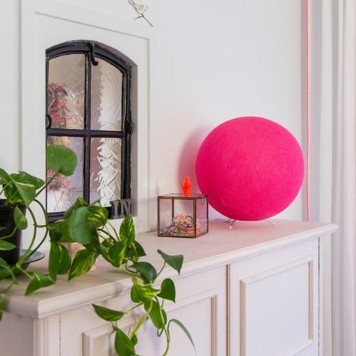 Настольный светильник из ниток Bright Pink